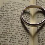 ring-179693_960_720